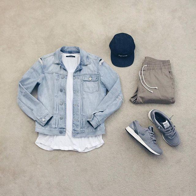 | #outfitgrid ▫️#allsaints denim jacket ▫️#johnelliott tee ▫️#hm pants ▫️#supreme cap ▫️#properxreebok sneakers #FLATLAY #FLATLAYAPP #FLATLAYS www.theflatlay.com