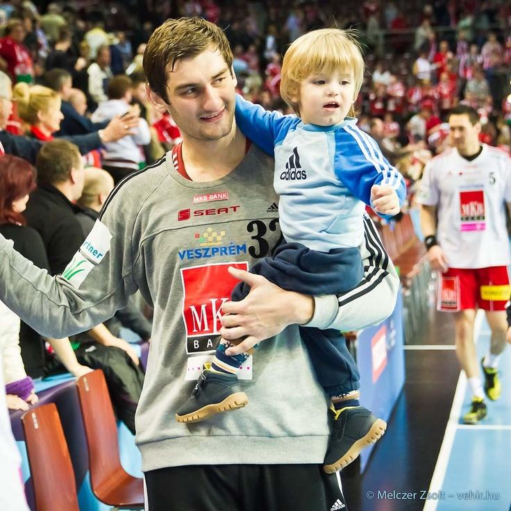 Mirko és gyermeke:)