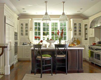 This kitchen is so pretty!: Kitchens Design, Dreams Kitchens, Window, Kitchens Ideas, Islands, Country Kitchens, White Cabinets, Kitchen Designs, White Kitchens