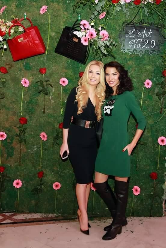 Short day dress with owl on the chest worn by Irina: https://missgrey.org/en/dresses/short-day-dress-in-emerald-green-shades-with-owl-jessie/449?utm_campaign=noiembrie&utm_medium=rochie_jessie&utm_source=pinterest_produs