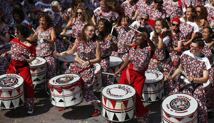 FOTOS: el multitudinario y colorido carnaval de Notting Hill en Londres