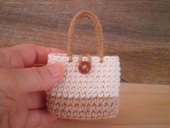 Sac fourre-tout miniature avec un bouton, sac de poupée, petit sac au crochet, décoration pour la maison shabby chic, sac chic de pays, cadeau pour femme