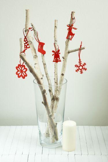 Árbol de Navidad con ramas - En un jarrón