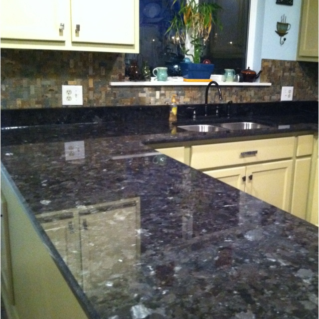 Green Brown Kitchen Ideas: Slate Backsplash, Kitchen Countertops And Backsplash Ideas