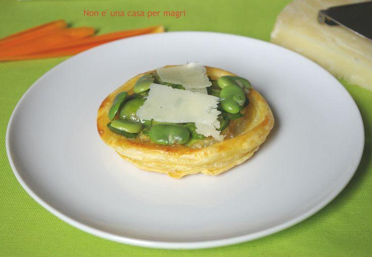 Venite a scoprire come preparare queste deliziose sfogliatine http://blog.giallozafferano.it/noneunacasapermagri/sfogliatine-alle-fave-e-pecorino/