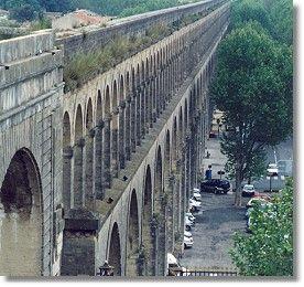 Les Arceaux!!! Montpellier, France http://whatiscivilengineering.csce.ca/images/Structures/Montpellier-aqueduct.jpg