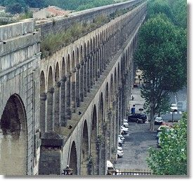 Les Arceaux!!!  Montpellier, France http://whatiscivilengineering.csce.ca/images/Structures/Montpellier-aqueduct.jpg