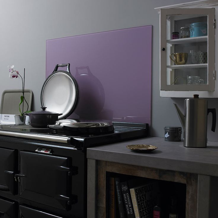 Do you love to follow the latest fashion trends? It's easy to do for your kitchen too. 2014's Radiant Orchid trend is reflected in this subtle orchid glass splashback. With 30 colours to chose from you can afford to change from year to year, season to season. Never be off trend again. Explore Impact Glass