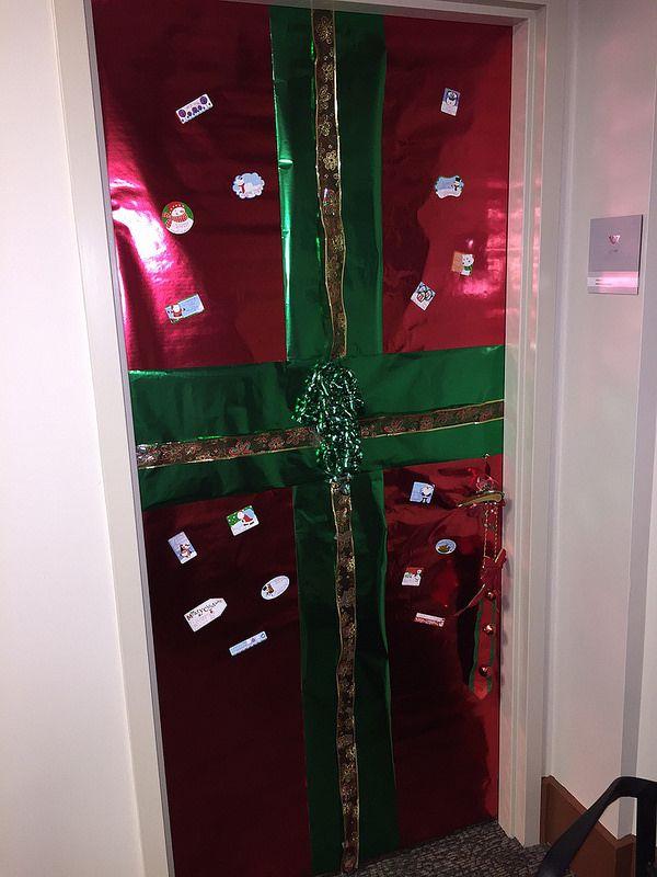 2014 UC Door Number 12 Gotta getta gift! & 16 best UC Holiday Doors images on Pinterest | Door numbers Fiesta ...