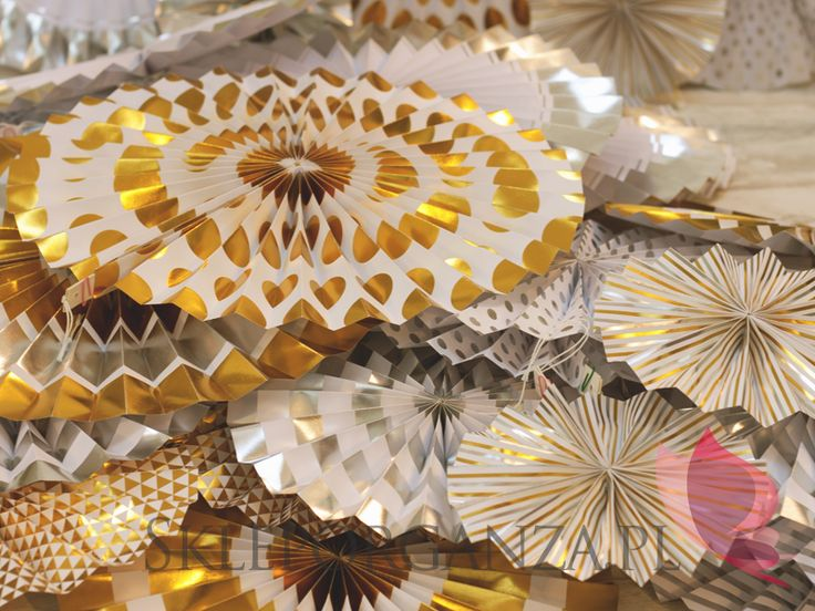 nowości 2017, dekoracje 2017, najmodniejsze dekoracje 2017, najmodniejsze dekoracje w tym sezonie, rozetki, rozety, rozetki metaliczne złote, rozety metaliczne złote, rozetki złote, rozety złote, rozetki metaliczne rebrne, rozety metaliczne srebrne, rozetki srebrne, rozety srebrne, rozety e groszki, rozety w kropki, rozetki w groszki, rozetki w kropki, duże rozety, duże rozetki, tanie rozetki, tanie rozety, dekoracje słodkiego bufetu, dekoracje candy baru, dekoracje do słodkiego bufetu…