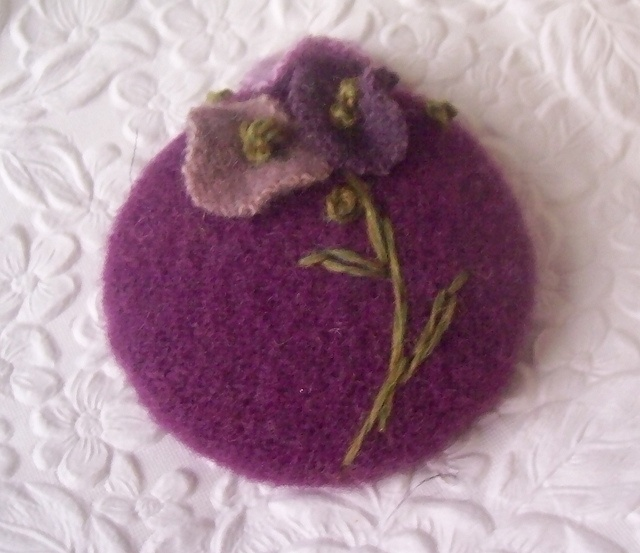 @Carolyn Knapp, check this outButtons Beads Art, Covers Buttons, Recycle Wool, Embroidered Buttons, Buttons Purple, Love Felt Wool, Purple Multi, Felted Wool, Fabrics Buttons