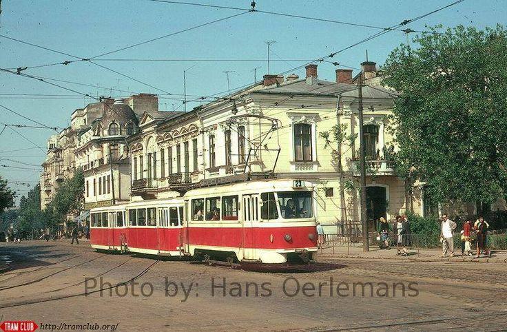 Piața Sf. Vineri și Calea Călărașilor,1973 Vedere spre Piața Unirii