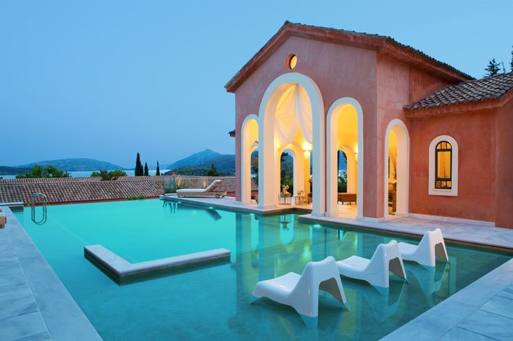 The uniquely beautiful #pool -jacuzzi of #VillaVeneziano on #Lefkada #island, dominates at the highest level and looks like it invites you to dive into its turquoise waters. http://www.tresorhotels.com/en/hotels/60/villa-veneziano