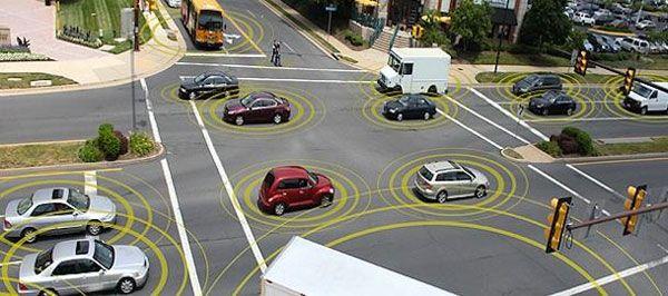 l'UMTRI (University of Michigan's Transportation Research Institute) prévoit de faire circuler à Ann Arbor plus de 3000 véhicules automatisés et connectés en Wi-Fi les uns aux autres, capables de communiquer en temps réel grâce à une plate-forme centrale équipée d'un système d'enregistrement.