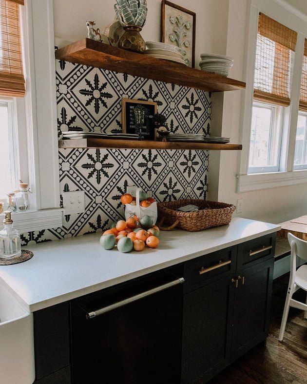 These Mexican Tile Backsplash Ideas Are The Antidote To Snooze Worthy Kitchens Hunker Home Decor Kitchen Mexican Tile Kitchen Kitchen Tiles Backsplash