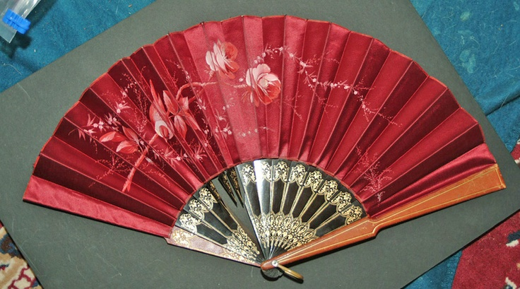Fans from Hong Kong 1860s | Collectors Weekly