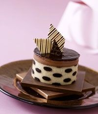 Mmmmmmm.+By+executive+pastry+chef+Jean-Philippe+Maury.+#sweet+#desserts+#gourmet