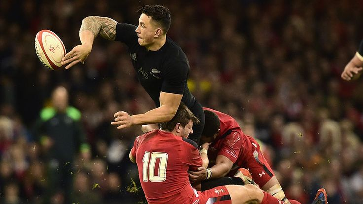 Why Sonny Bill Williams is king of the offload