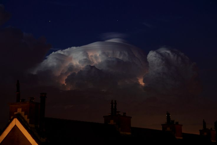 Weerlicht in wolk, 5 augustus 2013