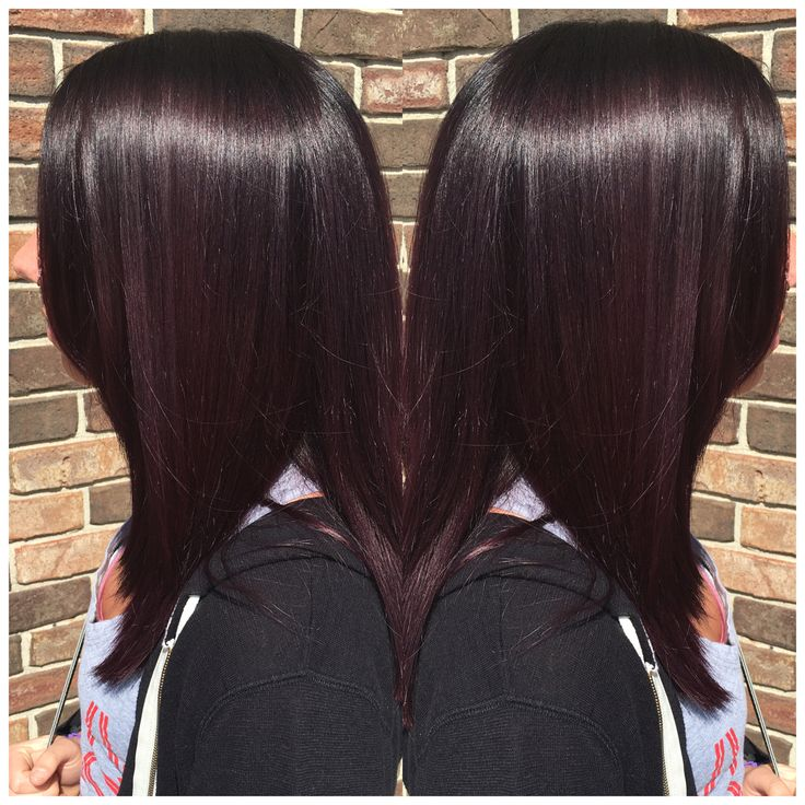 Dark plum hair? Yes please! By Seanie at Pin-Up Curls