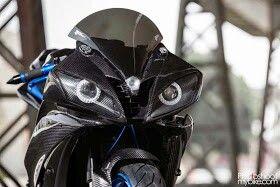 Yamaha r6 2007,custom....those eyes <3