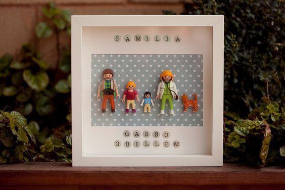 TABLEAU PERSONNALISÉ PLAYMOBIL · Famille par HandyMamy sur Etsy https://www.etsy.com/fr/listing/274200138/tableau-personnalise-playmobil-famille