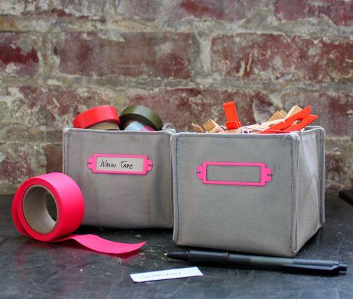 TUTO boîte de rangement tissu rigide : un modèle intéressant avec coutures extérieures, assez simple à faire.