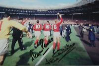 1966 WORLD CUP 12X8 PHOTO SIGNED BY WINNERS MARTIN PETERS & JACK CHARLTON