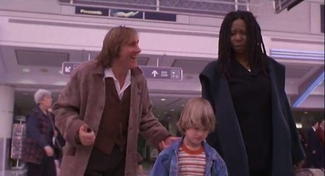 magyarul beszélő, amerikai vígjáték, 103 perc, 1996  --  Albertnek, a hétéves kisfiúnak egy tragédia miatt nevelőanyához kell költöznie, csakhogy Harriett elfoglalt üzletasszony, és nem nagyon hajlandó pótmamáskodni. Hová is menekülhetne a kissrác a sivár, unalmas és felnőttes külvilág elől? Csak is önmagába.