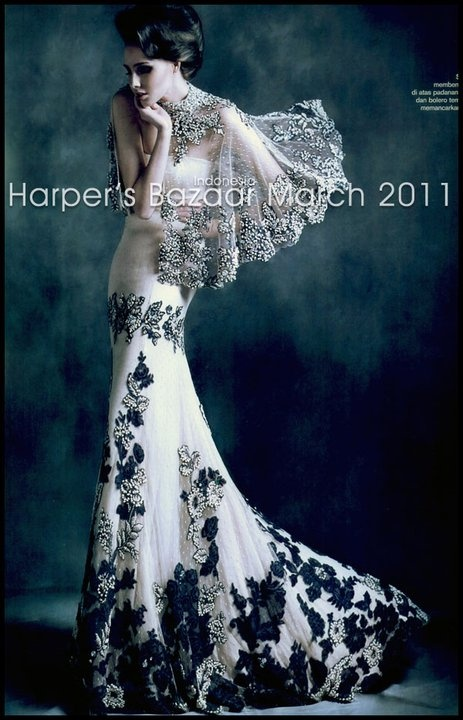 Biyan, black and white gown