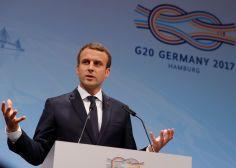 """Cette phrase de Macron sur les """"sept à huit enfants par femme"""" en Afrique est jugée """"raciste"""" à l'étranger"""