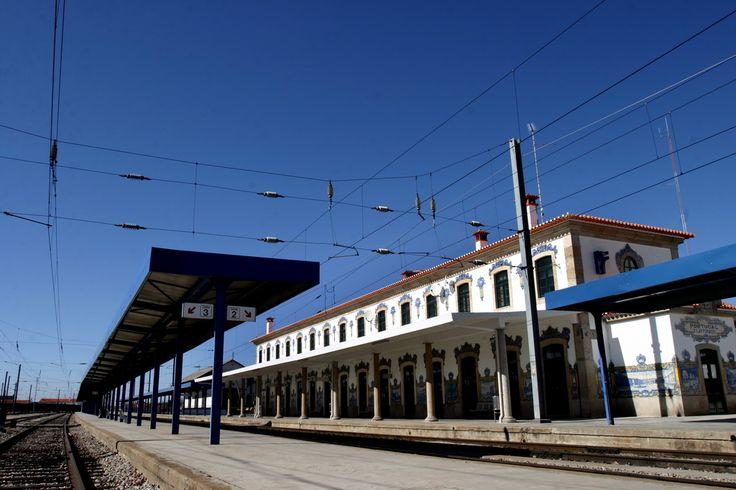 João Alves de Sá   Estação Ferroviária de / Railway station of Vilar Formoso   1936 #Azulejo #AzulejoDoMês #AzulejoOfTheMonth #JoãoAlvesDeSá #VilarFormoso