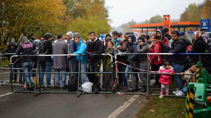 Flüchtlinge: Bis der Bus kommt
