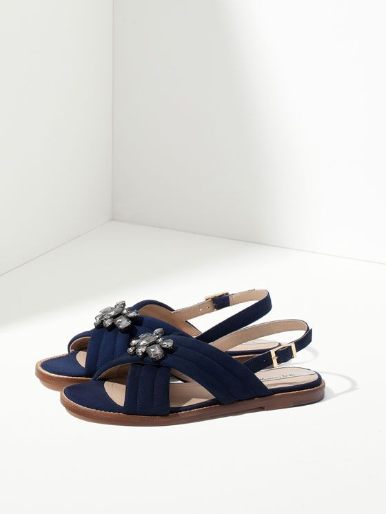 BLUE CROSSOVER SANDALS