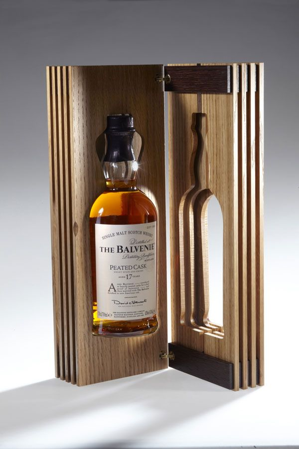 The Balvenie Limited Edition : Peated Cask 17 Years Old - Viacomit Viacomit  #packaging #design
