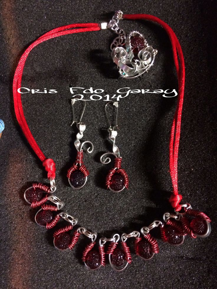SILVER NECKLACE AND EARRINGS SET RING AND RED.