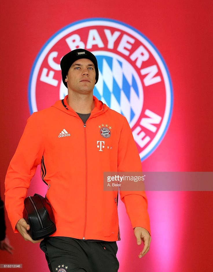 Manuel Neuer of FC Bayern Muenchen arrives at the players' tunnel ahead of the DFB Cup second round match between Bayern Muenchen and FC Augsburg at Allianz Arena on October 26, 2016 in Munich, Germany.
