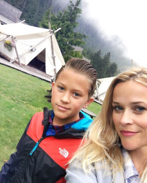 Reese Witherspoon & Son: Hiking Selfie - http://site.celebritybabyscoop.com/cbs/2016/07/20/reese-witherspoon-hiking-selfie #BritishColumbia, #Canada, #DeaconPhillippe, #Hike, #Hiking, #ReeseWitherspoon, #Vancouver