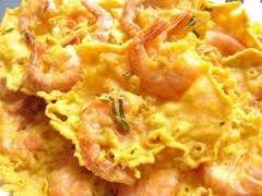 Indonesian Food. Rempeyek Udang. Javaanse garnalenkoekjes. (recipe in Dutch)