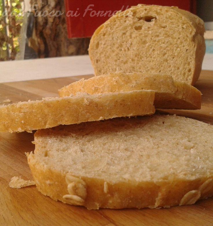 Pane morbido semintegrale all'olio con farina di segale, miele e fiocchi d'avena_ricetta lievitato