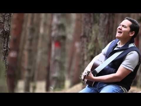 "Videoclip de Gilberto Daza interpretando ""Tu Palabra"". (P) (C) 2016, Bogotá…"