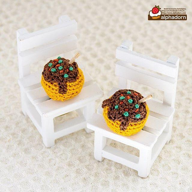 あみぐるみたこ焼きリング フリーサイズです♪ #amigurumi #crochet #takoyaki #ring #designfesta #あみぐるみ#たこ焼き #リング #指輪 #デザフェス #関西人のソウルフード #雑貨 #こなもん #デザインフェスタ45 #デザインフェスタ #デザフェス #デザフェス45 #お味噌汁飲むときは注意せんかったらつかるで