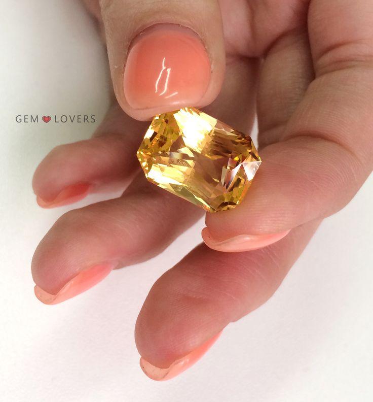 Он светится! 15 картавый золотистый сапфир из Шри-Ланки. Редкое удовольствие. ❤️Sodelicious! 15-carat yellow Ceylon sapphire is perfect!❤️ Для заказа: +7 925 390 20 52 WhatsApp, Telegram, Direct, Viber.❤️ #gemlovers_sapphire #yellowsapphire #sapphirering #gem #gemstone #jewelry #highjewelry #exclusive #engagement #wedding #драгоценности #кольцо #ювелирка #украшение #помолвка #стиль #роскошь #королевский #orangesapphire #yellowsapphire #yellowsapphirering #yellowsapphires #corundum…