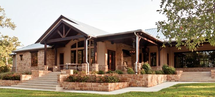 D ray construction blanco tx home builder in the texas for Country builder