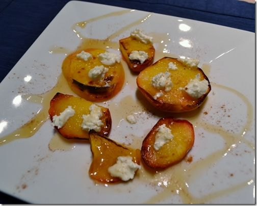 Broiled Peaches with Goat Cheese and Honey: Sweet Things, Sweet Treats, Csa Recipe, Food Things, Cheese Honey, Appetizers Recipe, Goats Cheese, Chocolate Fre Treats, Goat Cheese