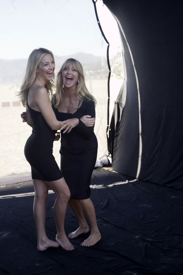 Kate Hudson Goldie Hawn, this makes me think of me and my daughter, always laughing together