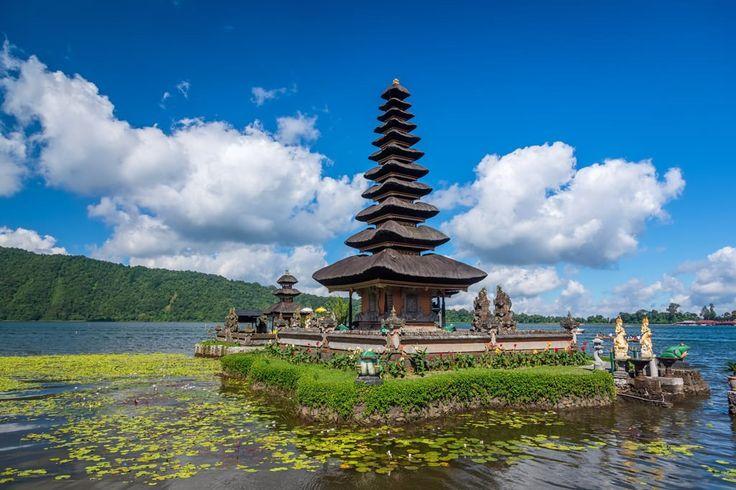 Foto dan Topeng Bali Masuk Ruang Pamer di Hongaria