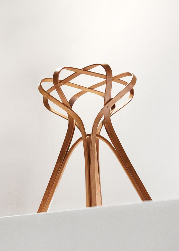 Bamboo stool constructed by repeating a single element . Each element was made by heat bending bamboo. The project was the outcome of a one month bamboo workshop held by Bamboo studio of National Taiwan Craft Research and Development Institute,. It is my …