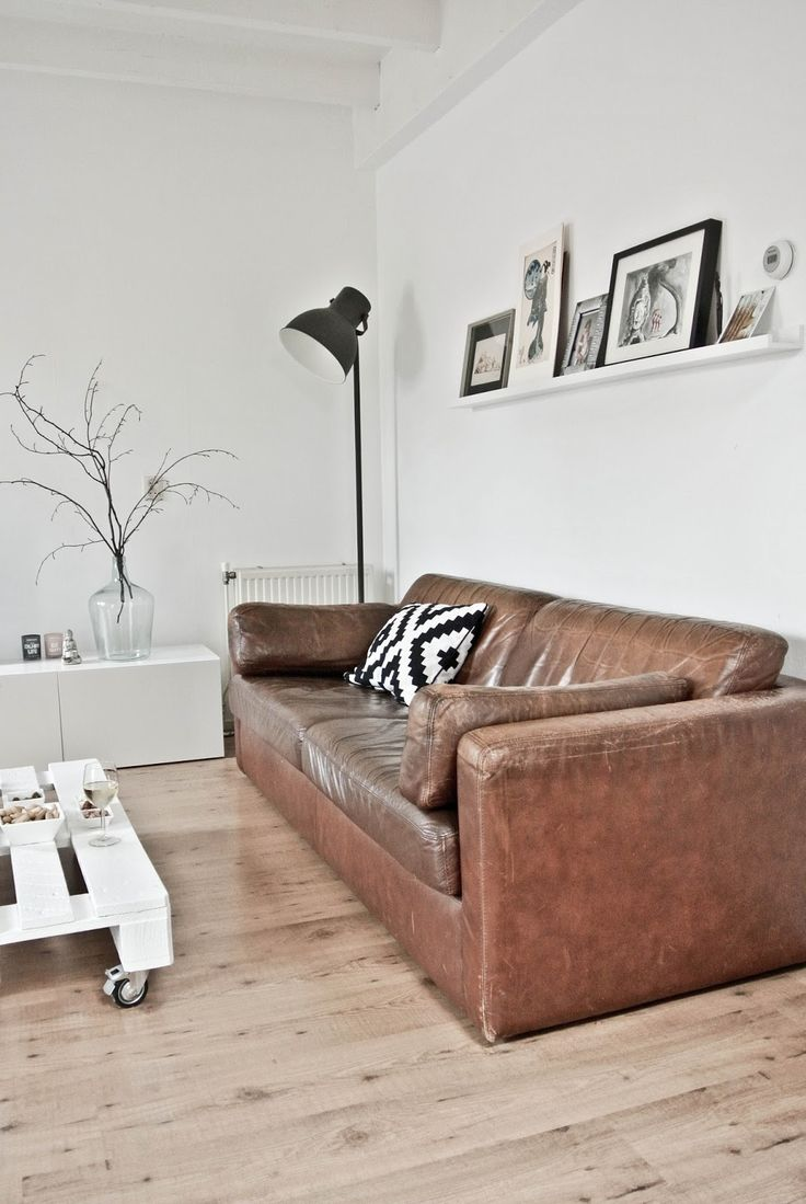 Living Room White And Wood Brown Leather Sofa Scandinavian Lekker Fris Styling Opdracht Pimp My Apartment In Groningen