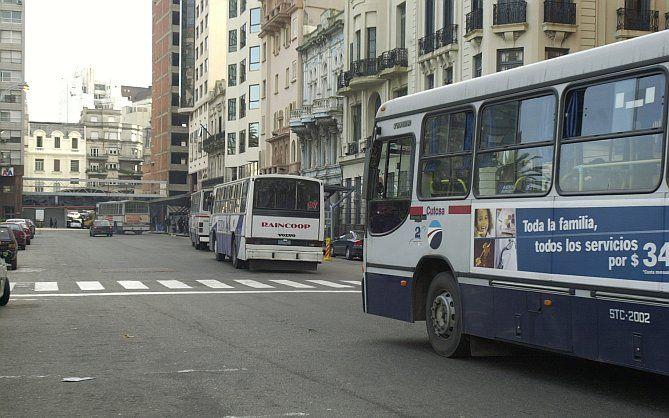 La Unión Nacional de Obreros y Trabajadores del Transporte (Unott) realiza un paro general de 24 horas tras el asesinato de un taxista este miércoles por l